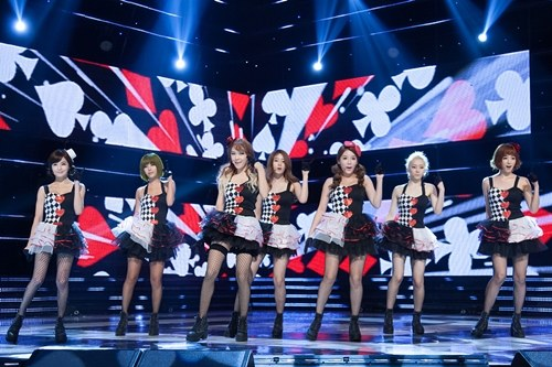 "T-ara Performs ""Bo Peep Bo Peep"" with Taiwanese Idols Dream Girls"