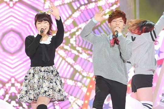 Akdong Musician Describes the Difference Between JYP, SME, and YGE