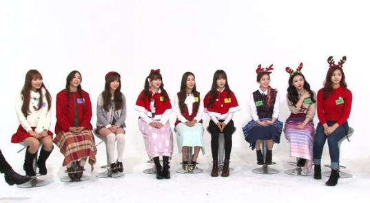 "TWICE, Lovelyz, and GFRIEND Struggle It Out on ""Weekly Idol"" Christmas Special"