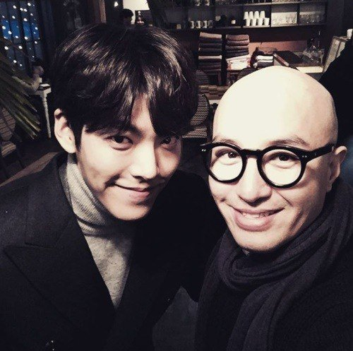 Hong Suk Chun Says Kim Woo Bin Always Sends Affectionate Text Messages