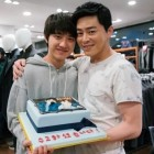"""EXO's D.O, Jo Jung Suk, and Park Shin Hye Wrap Up Filming """"Hyung"""" In Smiles"""