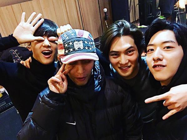 CNBLUE Celebrates 6th Debut Anniversary