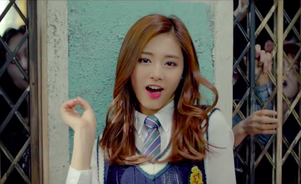 Taiwanese Politicians Rally Behind Tzuyu, China Censors Her Name on Weibo