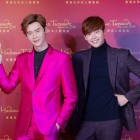 Lee Jong Suk Poses With His Wax Figure at Madame Tussauds Hong Kong