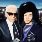 G-Dragon Poses With Legendary Designer Karl Lagerfield During Chanel Fashion Show