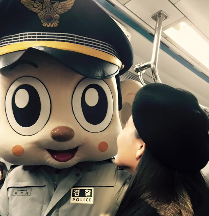 Watch: Choi Siwon Makes Surprise Appearance at Subway Station