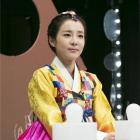 2NE1′s Sandara Park Looks Elegant in Hanbok