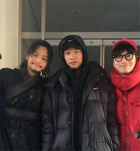 Lee Dong Hwi and Ryu Jun Yeol Show Support for Best Friend Byun Yo Han