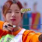 """EXID Competes Against Red Velvet in """"Idol Star Athletics Championships"""" Archery Finals"""