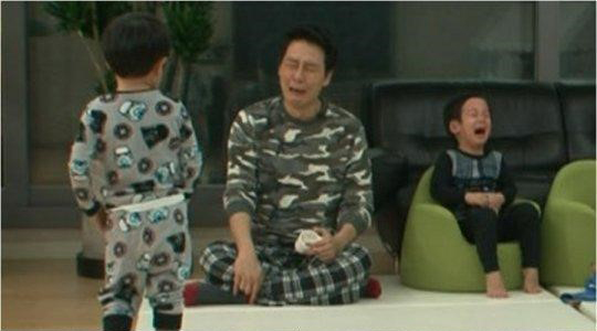 "Seo Eon and Seo Joon Are Overflowing With Tears on ""The Return of Superman"""
