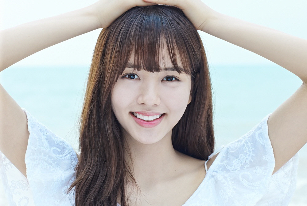 Kim So Hyun Shares What She'd Like to Do With Her First Boyfriend