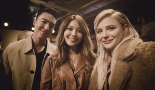 Daniel Henney, Girls Generations Sooyoung, and Chloe Moretz Meet at Fashion Show in New York
