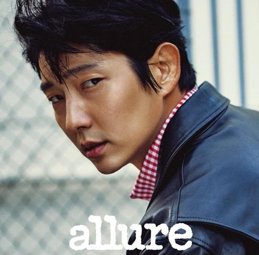 "Lee Joon Gi Shares His Experiences on Filming ""Resident Evil 6"" With Allure"