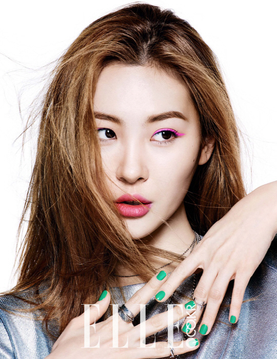 "Wonder Girls' Hyelim and Sunmi Show Off New Makeup for ""Elle"" 