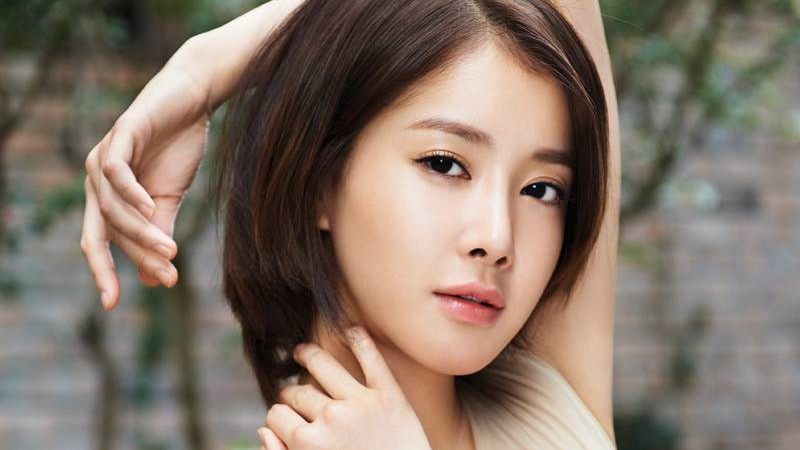 Actress Lee Si Young Becomes a Free Agent