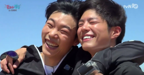 reply-1988-stars-ryu-jun-yeol-and-park-bo-gum-bond-during-their-african-safari-in-the-latest-teaser-for-youth-over-flowers