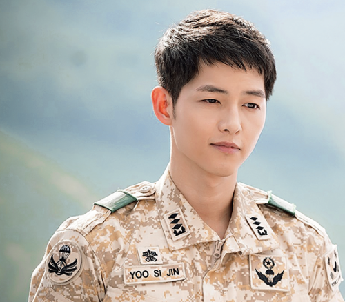 Song Joong Ki Receives Personal Security Force At Hong Kong Airport