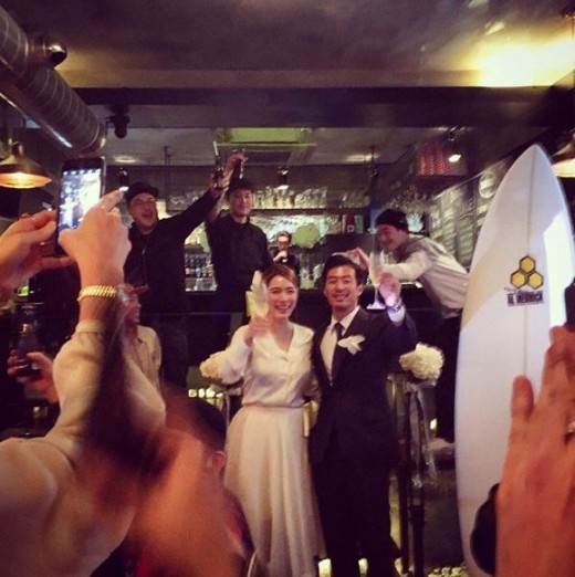 Kahi Gets Married Today in Small Ceremony in Hawaii