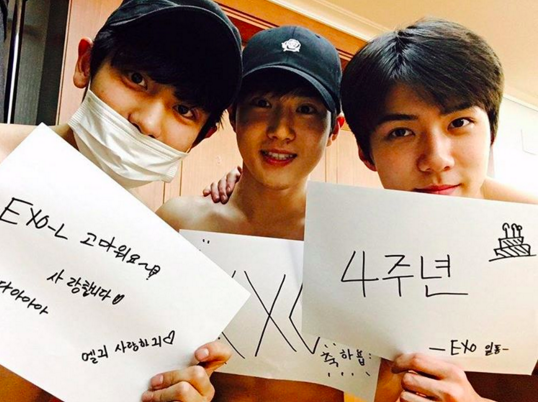 EXO Takes Off Their Shirts to Celebrate 4th Debut Anniversary and Thank Fans