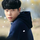 """Ryu Jun Yeol Catches Hwang Jung Eum in the Act in """"Lucky Romance"""" Stills"""