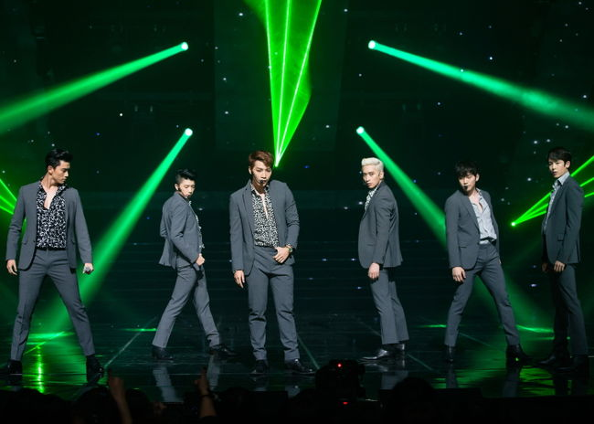 2PM Breaks Personal Album Sales Record In Japan