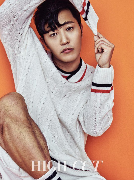 "Jin Goo Talks About A ""Descendants Of The Sun"" Spin-Off With High Cut"
