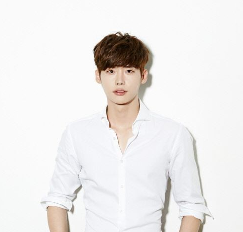 Lee Jong Suk Follows Park Shin Hye In Making Special Appearance In Web Drama In Show Of Loyalty