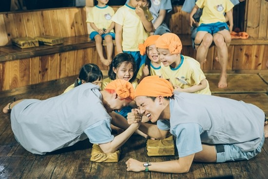 "WINNER Wins Childrens Hearts On ""Half-Moon Friends"""