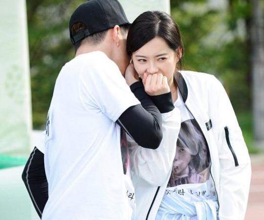 Lee Kwang Soo Teases Go Ara For Riding Dirty Tactics on Running Man