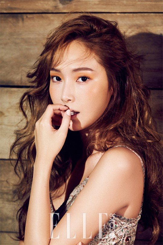 Jessica Talks Summer Beauty Tips And Solo Album In Elle Magazine