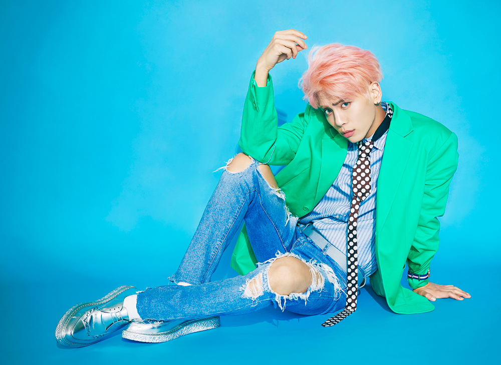 "SHINee's Jonghyun Dominates Album Charts With Solo Album ""Good"""