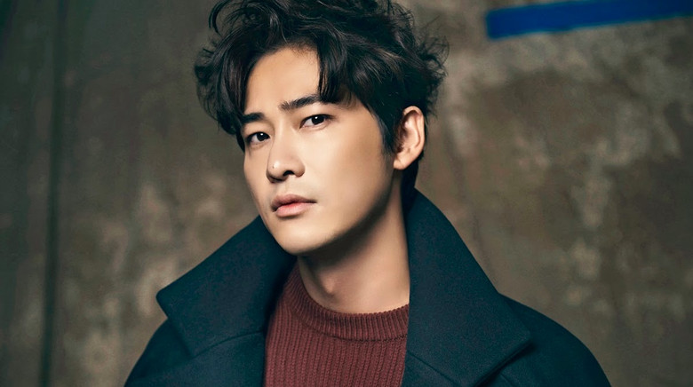 Kang Ji Hwan In touch In Minor Car Accident