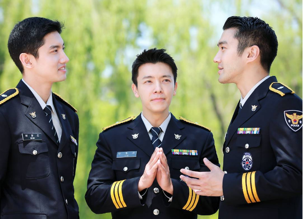TVXQs Changmin, Super Juniors Choi Siwon, And Donghae Look Dashing In Uniform