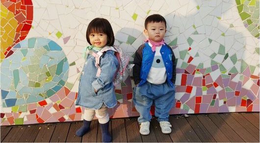 "Daebak Hangs Out With His First Female Friend On ""The Return of Superman"""