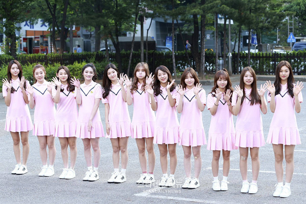 I.O.I Sasaeng Fan Criticized For Revealing Bathroom Photos