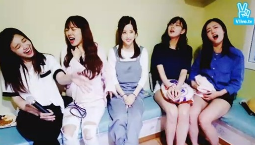 A Pink Has A Blast At Karaoke During Live Broadcast
