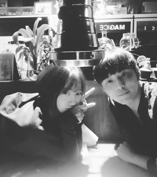 BEASTs Yong Junhyung Catches Up With Friend Park Shin Hye