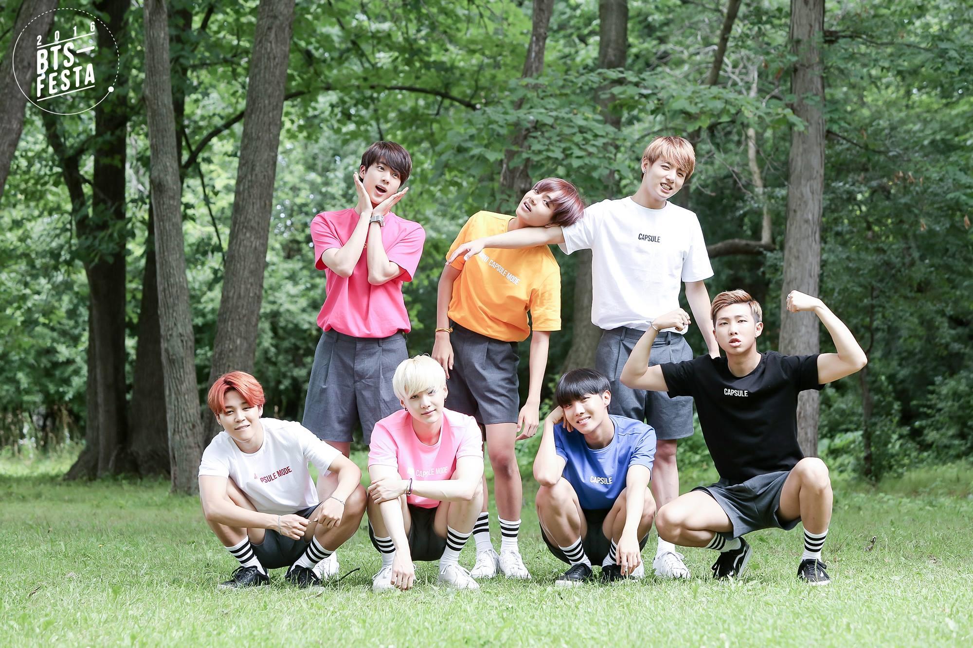 """BTS Rilis Foto Keluarga Menggemaskan untuk """"BTS FESTA"""""""