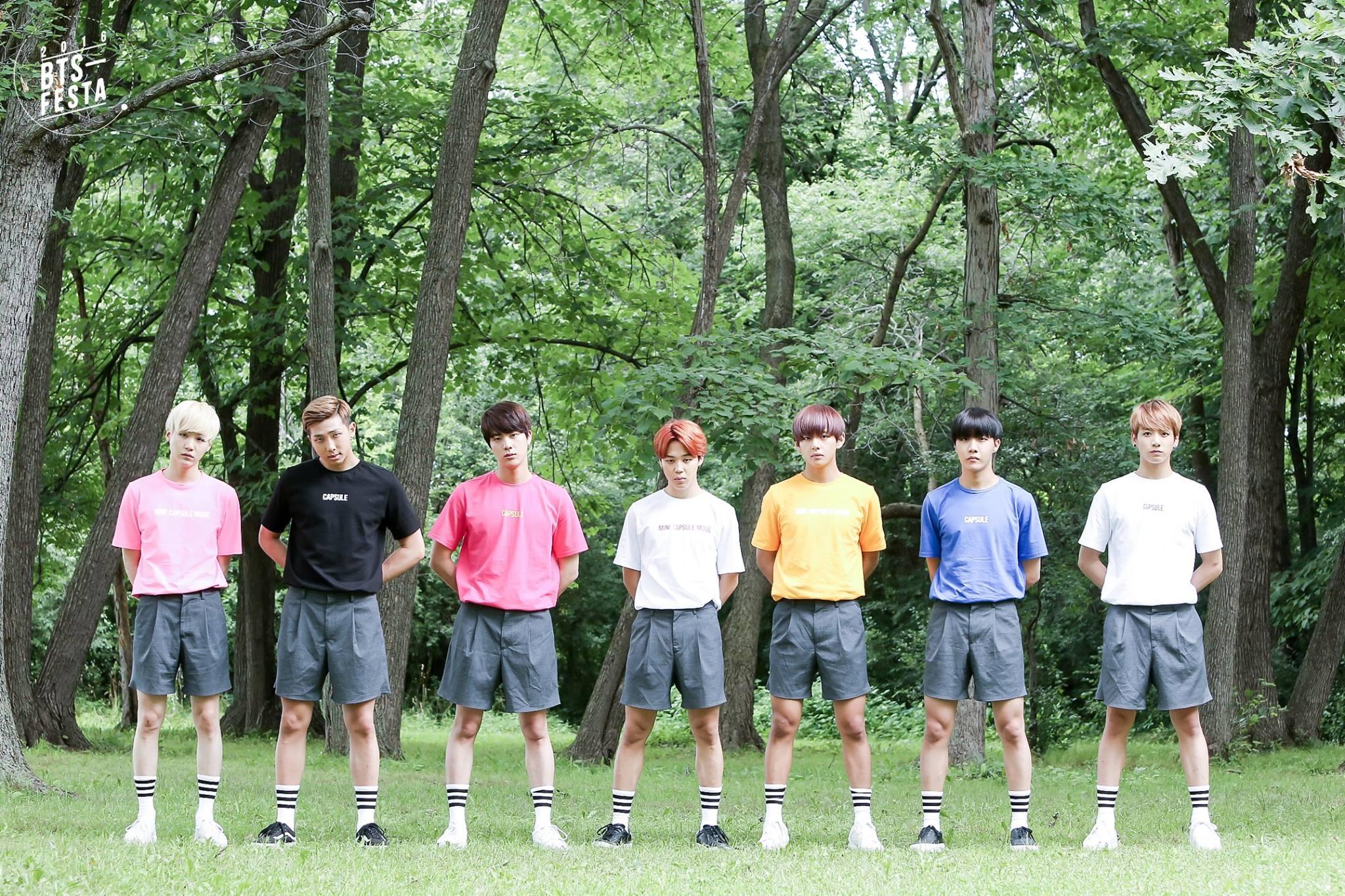 BTS Rilis Foto Keluarga Menggemaskan untuk