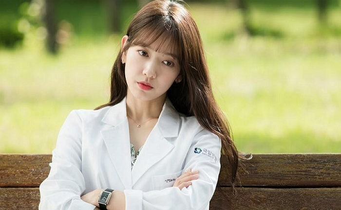 Park Shin Hye Switches Up Her Look For Quot Doctors Quot Role Soompi