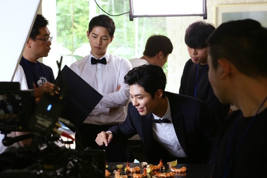 Song Joong Ki Park Bo Gum Dominos 5
