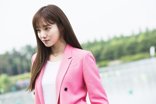 Lee Sung Kyung Hints At Rivalry And Womance With Park Shin Hye On Doctors
