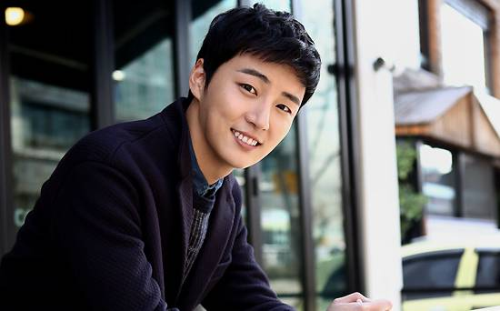 "Yoon Shi Yoon Reveals The Pressure From ""Baker King Kim Tak Goo"" Affected Him Badly"