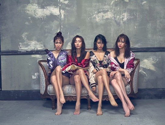 SISTAR Displays Never-Before-Seen Photos In Gratitude For Positive Response To Comeback