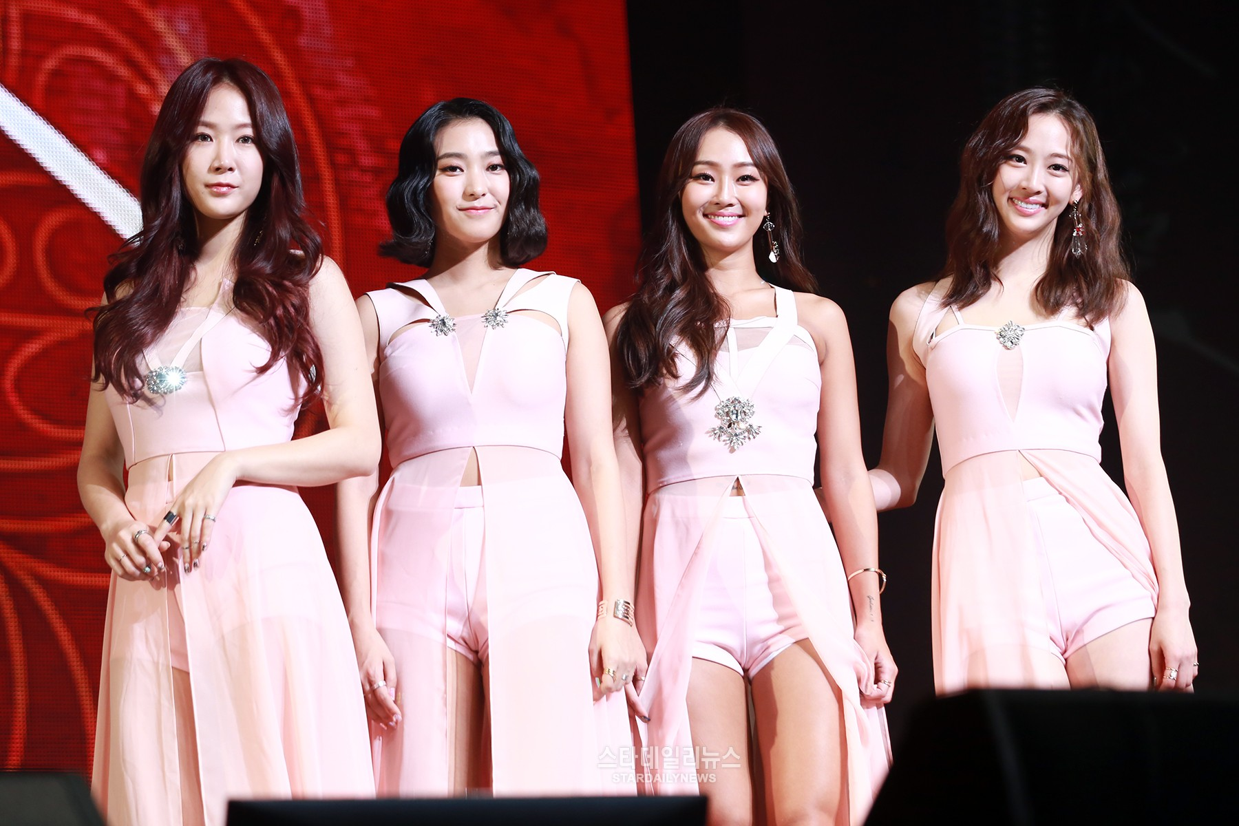 SISTARs Hyorin Wrote Song On New Album While Thinking Of Members
