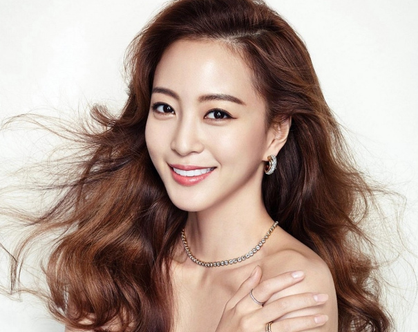 Han Ye Seul Files Lawsuit Against Netizen Who Has Harassed Her For A Year