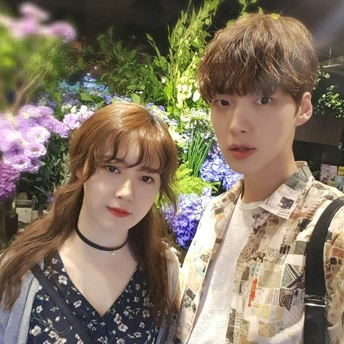 Ahn Jae Hyun Shares Gorgeous Photo From Outing With Wife Ku Hye Sun