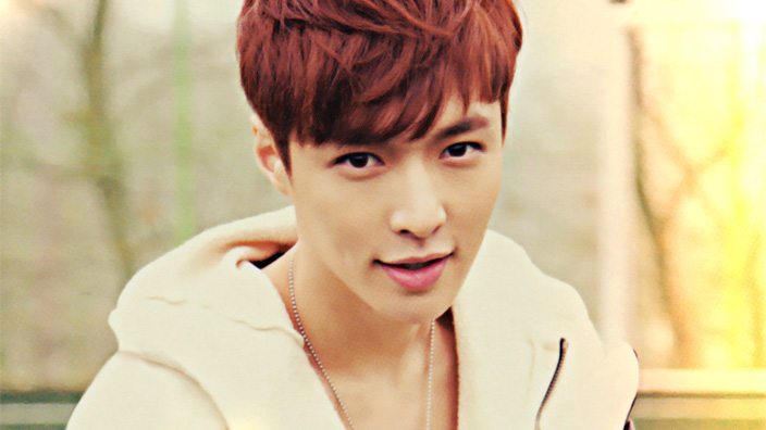 EXO's Lay Wins Best Supporting Actor At 2016 China Britain Film Festival