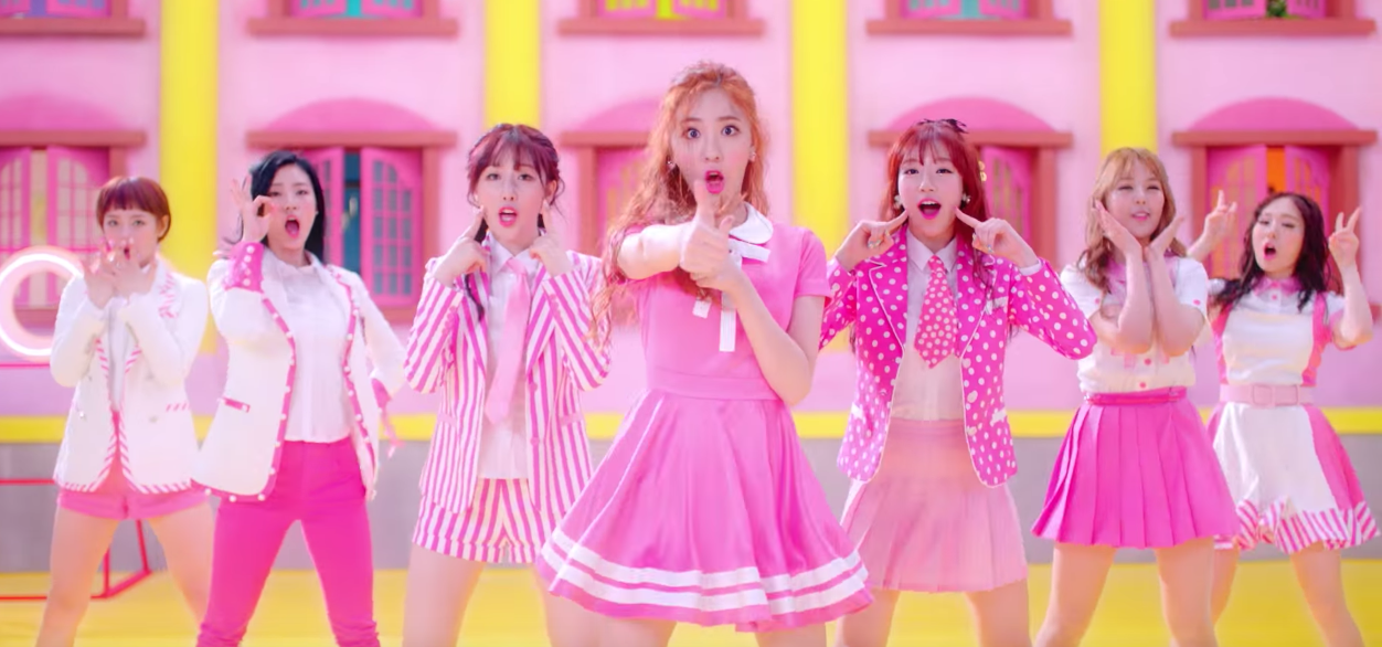 "Watch: SONAMOO Is After Your Hearts In ""I Like U Too Much"" MV"