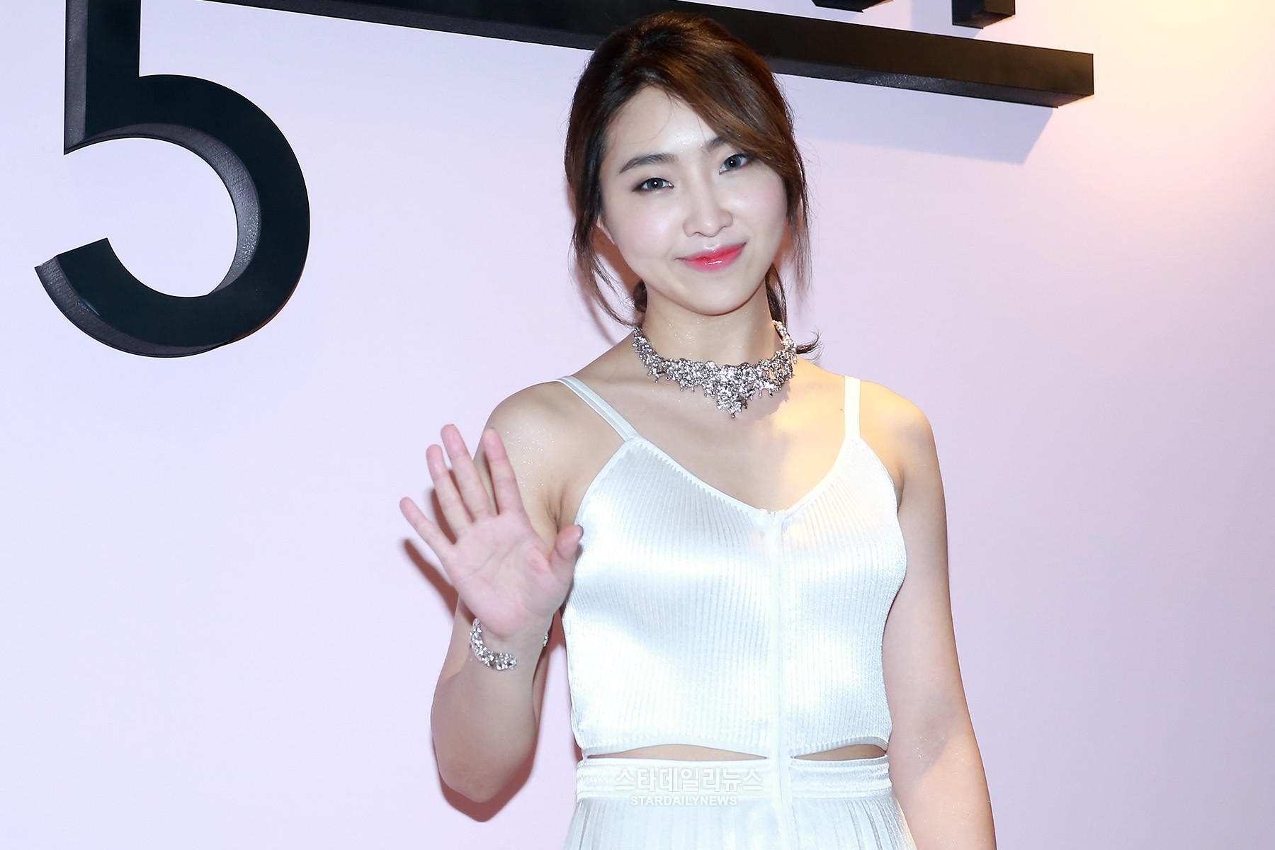 Minzy To Begin Her Solo Activities Soon
